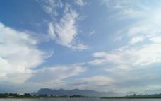 滇池蓝天白云图片