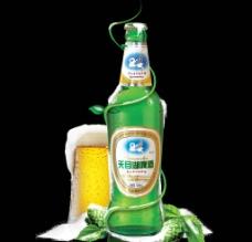 雪地啤酒杯图片