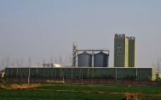 田野的工厂图片