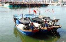 静静的渔港图片