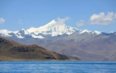 雪山圣湖图片