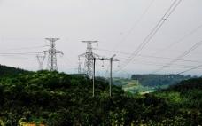 山顶的电网图片
