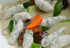 浓汤鱼滑杂菌图片