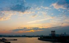 上海黄浦江夕阳西下图片